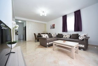 Apartament De Luxe z dwoma sypialniami 4-6 osobowy