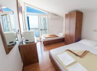 Apartament Studio 3-4 osobowe z widokiem na morze i balkonem  - aneks