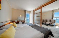 Junior Suite z osobną sypialnią , balkonem i widokiem na morze