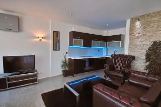Apartament z jedną sypialnią dwupoziomowy z tarasem i widokiem na morze