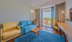 Apartament Junior Suite z balkonem i widokiem na morze